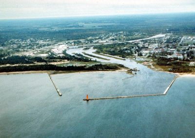 Manistique River: Hydrodynamics & Contamination