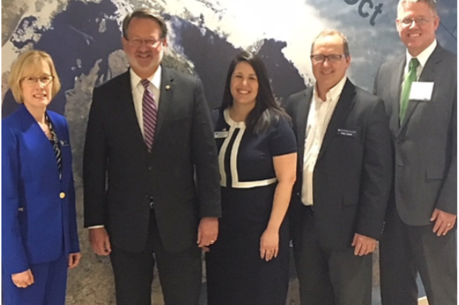 Michigan Senator Gary Peters makes a visit to the NOAA GLERL facility in Ann Arbor to discuss the important issues facing our Great Lakes. Photo Credit: Katherine Glassner-Shwayder.